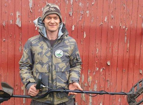 SKATTEJEGER: Jon Arne Valan fra Larkollen har i flere år drevet med metallsøk. Nå håper han å samle lokale entusiaster i Moss Metallsøkerforening.