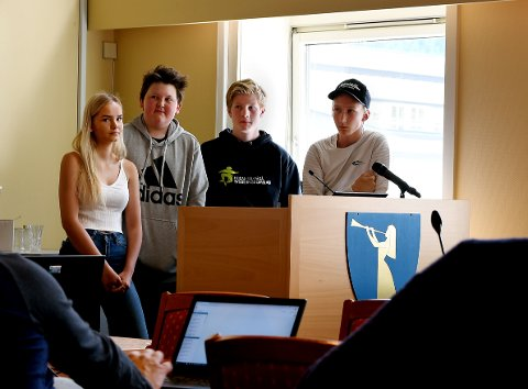 Siw Malin Haugen Furuheim, Kristen Rindhølen, Jørgen Ryen og Østen Sanden Steinfinsbø i Biokol EB i Sel formannskap nyleg.