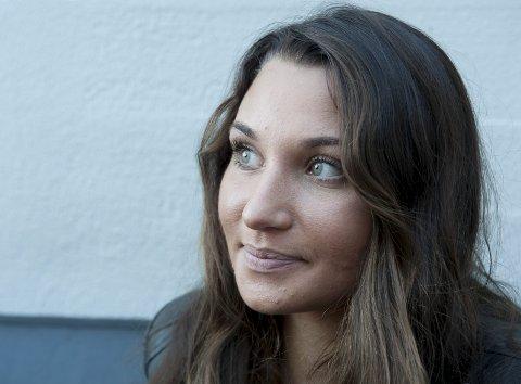 STRESSER IKKE: Nora Jabri har det ikke travelt i jakten på de perfekte låtene.