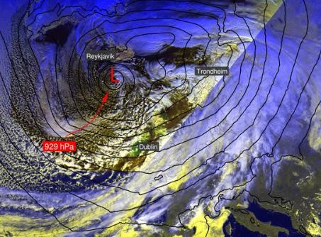 HÅLKE: Mer vind og regn er i vente i Innlandet mandag.