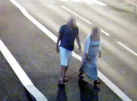 STOLER PÅ HAM: Kona til den tiltalte eks-politimannen stoler 100 prosent på det han forteller om turen på brua.