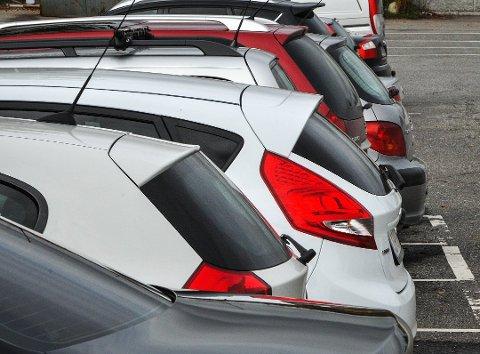 NYE REGLER: Fra 29. april kommer det to nye regler for kjøp og salg av bil. Illustrasjonsfoto: Knut Opeide, Statens vegvesen
