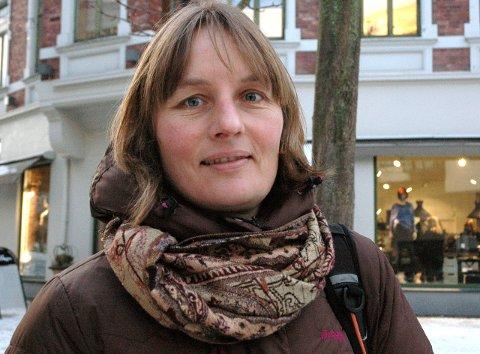 FØLGER KORONAUTBRUDDET: Kommuneoverlege Karin Møller.