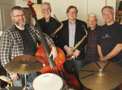 Steinar Brennas Jazzkvintett: Hans Petter Herføl, Steinar Brenna, Kåre Løchsen, Ingvar Ellingsen, Pål Huseby Berntsen. Foto: Sidsel Rua