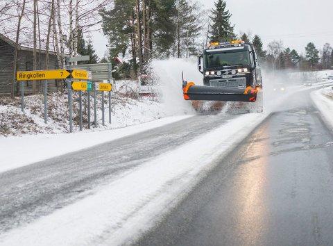 VINTER I VENTE: Natt til tirsdag kommer den første snøen i Ringerike.