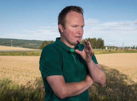 IKKE FORNØYD: Hans-Petter Aasen, Ringerike senterparti, mener regjeringens forslag bare er første skritt på veien mot sammenslåing av tingretter.