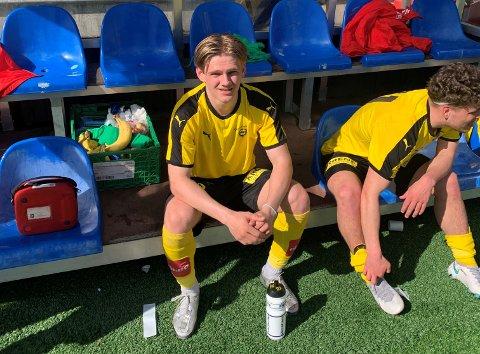 DEBUT-MÅL: Michael Nedgård Isaksen (t.v.) spilte de første 45 minuttene og scoret mål i sin første kamp for LSKs A-lag. Her sammen med Tobias Svendsen