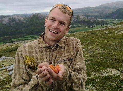 HVILKEN? Viken må få ny fylkesblomst sier Ola Eian fra Norsk Botanisk Forening. Nå ber han RHAs lesere og folk i Viken om hjelp.