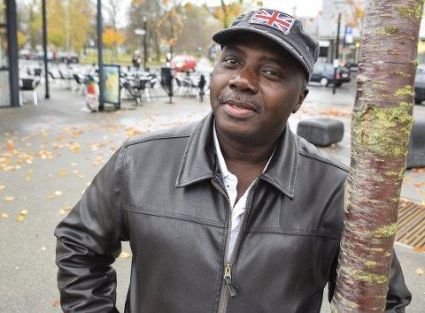 Rivjern: Ebenezer Akoi arrangerer Internasjonal Kulturkveld i Rukla og har et stort integreringsprosjekt gående, kalt «Multi-cultural Heritage Promotion». Foto: Flemming H. Tveitan