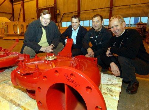 OFFSHORE: På mesteparten av 2000-tallet har NLI Subsea Service på Pindsle levert installasjoner til offshoreindustrien. På dette bildet fra 2006 er (f.v.) Ove Almås, Tor Martin Røed, Helge Slåtta og Roar Emil Bergmann.