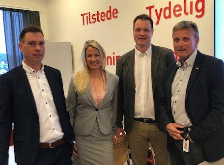 NY LEDER: Ole Petter Gravningen (nummer tre fra venstre). Her sammen med Henning F. Johansen, kommunalsjef for helse, sosial- og omsorg, Jessica Sørensen, fungerende NAV-leder, og Terje Tønnessen, regiondirektør NAV Vestfold og Telemark.