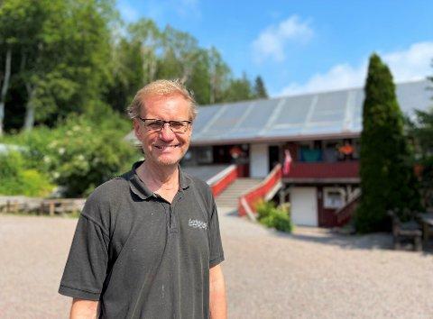 MESTRING OG UTVIKLING: Svein Aarholt og kona Ingfrid jobber for å utvikle mennesker på gården på Aarholt-tunet. – Det handler om hva man gjør akkurat der og da. Man lever i nuet. Da blir alt annet uviktig, sier han.