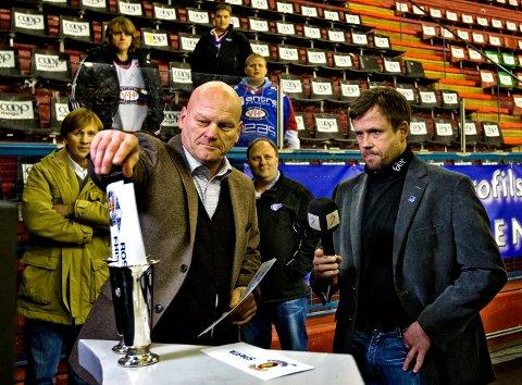 Ikke klart:  Håkan Södergren (t.v.) i Norsk Topphockey og Spartatrener Sjur Robert Nilsen vet fortsatt ikke om det blir ni eller ti lag i årets eliteserie.