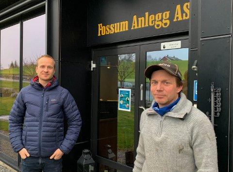 FÆRRE OPPDRAG: Jens-Edvard Dingstad (t.v) og Per Ivar Nygård i Fossum Anlegg AS innser at de må tenke annerledes i månedene som kommer.