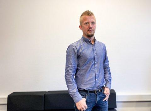 VIL I DIALOG: Nyvald soknerådsleiar Odd Bjerga håper fellesrådet og prosten vil opna opp for dialog med soknerådet om konflikten på kyrkjekontoret.