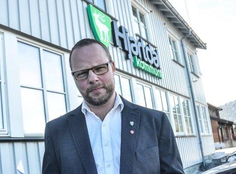 OPPGITT: Når de lokale skattekontorene skal legges ned, mener Bengt Halvard Odden sentraliseringsiveren til Regjeringen har tatt overhånd.
