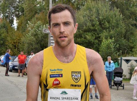 I herreklassen var det Jon Arne Gaundal fra Steinkjer som løp de 10,8 kilometerne best. Han kom i mål på tiden 35.21 minutter