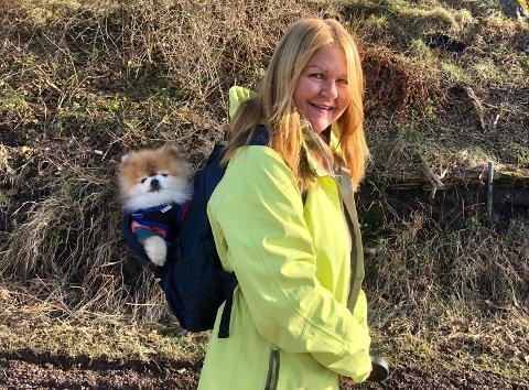 TUR: For Nina Helene Oset og hunden Pippin har blant annet det å gå på tur i Tønsberg-naturen blitt en fast rutine.