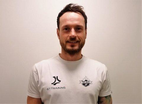 TILBYR TRENING: Snart går han online med treningsopplegget sitt. - Det er behov for dette, sier Mateusz Kowalski.