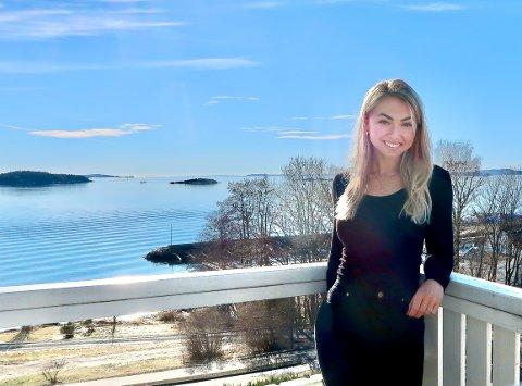 FORNØYD: Martine Back Årnes kjøpte en stor leilighet med utsikt på Tofte.