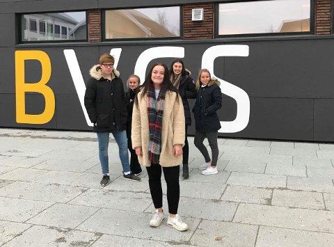 Klar tale: Christine Sofie Kolve Dreyer er årets russepresident ved Bodø videregående skole. Hun oppfordrer alle året russ til å vaksinere seg mot hjernehinnebetennelse, med hensyn til egen og andre klassekameraters helse.