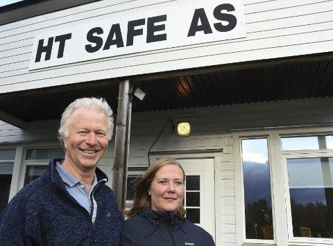 Spent: Både leder for HT Safe AS, Otto Einar Johansen, og teamleder Marie Finvik Karlsen er spent på hvordan det nye tilbudet om ruteopplysning vil bli mottatt. Det starter opp 1. oktober. Foto: Øyvind A. Olsen