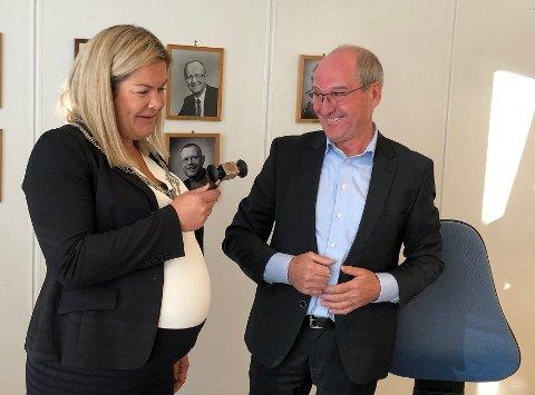Var avtalt: Et valgteknisk samarbeid mellom fem av partiene i kommunestyret i Steigen sikret at Aase Refsnes fikk overta ordførerklubba etter Asle Schrøder. Avtalen var nær ved å sprekke kvelden før det konstituerende møtet i kommunestyret.