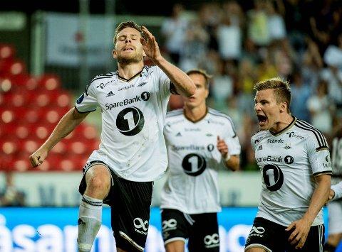 Matthias Vilhjalmsson (t.v.) Jonas Svensson og resten av Rosenborg har hatt mye å juble for i år. Søndag kan de nesten gå i gang med å juble for seriegull hvis de slår Stabæk hjemme. Og det tror vi de gjør!