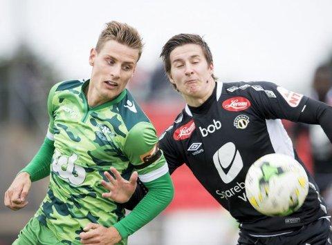 Nest og Kristoffer Zachariassen (t.v.) topper tabellen i 2. divisjon avd. 3. Bildet er fra cupkampen mot Sogndal, som strilene også vant. I dag spiller de borte mot bunnlaget Lysekloster, og kampen kan du se på BA.no.