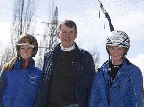 Storetvedt-familien har travsport i blodet her er Elisabeth (t.v.), pappa Odd og storesøster Tina. (Foto: Hesteguiden.com)