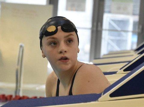 14 år gamle Hanne Næss har tidenes tredje raskeste tid av en norsk kvinne på 1500 meter.