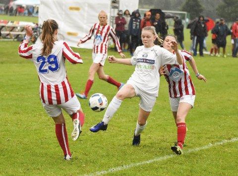 FLEST LAG: Modum Fotballklubb stiller med fem lag i verdens største fotballturnering i år, blant annet tre jentelag i henholdsvis 14, 16 og 18/19-årsklassen.