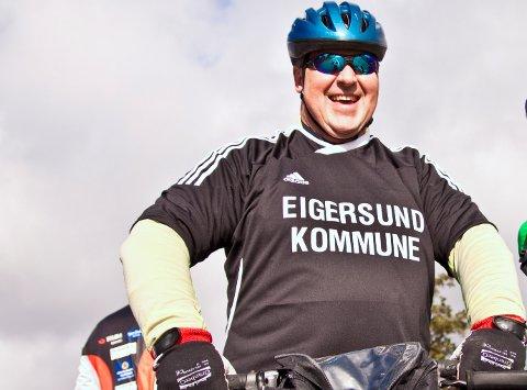 Leif Erik Egaas er nyslått sykkelbyordførar og klar for å hiva seg på trøene - viss vêret er fint nok.