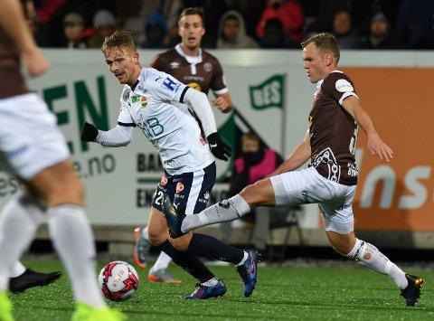 I FARESONEN: Både Mikkel Maigaard (t.v.) og Stian Semb Aasmundsen (t.h) går spennende uker i møte. Både Strømsgodset og Mjøndalen risikerer å rykke ned. Seks serierunder gjenstår.