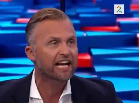 – Vi ønsker OBOS-ligaen velkommen, freste Jon H. Børrestad i TV2s studio, da Strømsgodset brant en feit sjanse mot Stabæk.