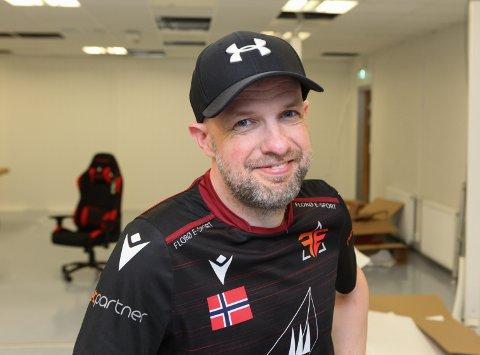 DRIVKRAFT: Frank Willy Djuvik er leiar i Florø e-sport. No har han også fått Vestland fylkeskommune med på laget.