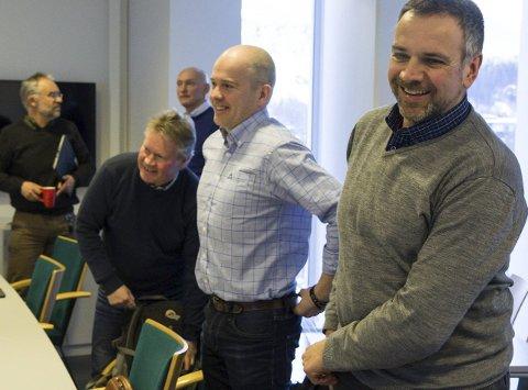 Dei kan gle ser over at Førde kommune går i pluss. F.v. kommunalsjef Trond Ueland, Jan Taule, Bjørn-Harald Haugsvær, Rune Hegrenes og Ole-Johnny Stubhaug.