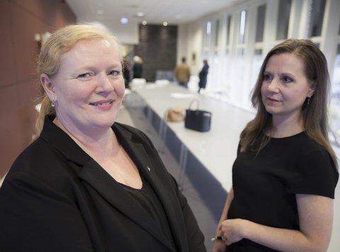 Rådmann Monika Amundsen (til venstre) sammen med ordfører Liv Kristin Johnsen i Tjeldsund.