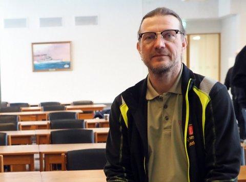SMITTEVERNLEGE: Thomas Hultstedt sier at smittesporingsarbeidet kunne starte raskt fordi den smittede tok test allerede ved innreisestedet til Norge. – Det gjør at smittesporingen går fortere enn hvis man tar testen når man kommer til hjemstedet.