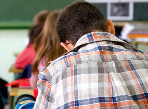 SKOLEARBEID: De fleste bruker mindre enn én time på skolearbeid daglig.
