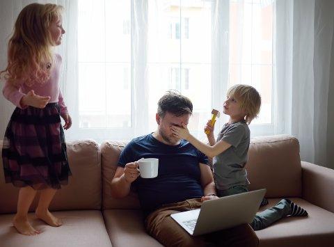 Det har vært krevende tider i familielivet med hjemmeskole og hjemmekontor. Innsenderen gruer seg til årets Norges-ferie.