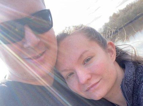 LETTELSE: En måned etter innbruddet er en mann siktet for grovt tyveri fra hjemmet til  Annette Svendsen Østby og Kenneth Berg Sæther. – En lettelse, sier de.
