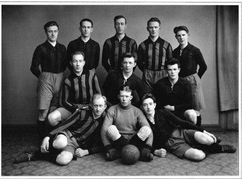 LANGE TRADISJONERr: Tistedalens A-lag har lange tradisjoner. Dette bildet er tatt i 1929. Foto: TTIFs jubileumsbok
