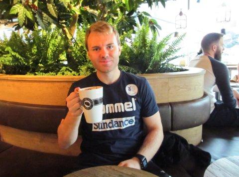 DILEMMA: Morten Linder håper å skyte Falk til opprykk. Lykkes han med det, sender han samtidig sin framtidige arbeidsgiver Halden ned i 1. divisjon.