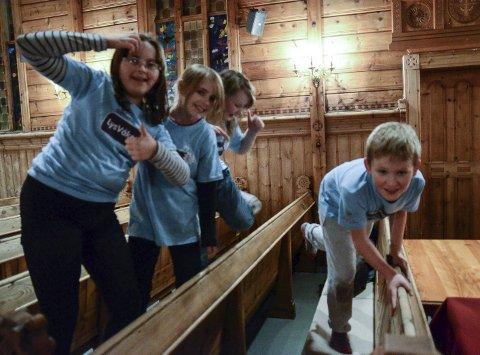 Arkivfoto:  Lågterskeltilbod ser ut til å fungera godt for denne gjengen i Utne kyrkje.  Arbeid med og for born og unge er viktig for kyrkj, som har ulike aktivitetar å tilby.