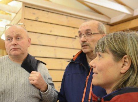 Kritiske: Torleif Fresvik, Eivind Tokheim og Hildegunn Espe har nytta mykje tid på å kjempa mot eit høgt uttak av bukkar i reinsjakta. Espe er medlem i Ullensvang fjellstyre, som har støtta kvoteforslaget.Arkivfoto: Kristin Eide
