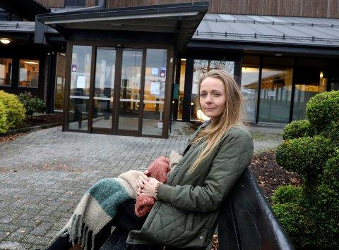 AVVENTENDE: Kommuneoverlegen i Tysvær, Mariann Lie, sier det er positivt med liten smitte lokalt. Kombinasjonen av  pågående utbruddet i sørfylket og at få tester seg gjør derimot at de ikke senker skuldrene helt ennå.