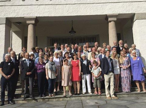 FØR AVREISE: Her er omkring 60 etterkommere av John Rice Crowe og Malene Waad før avreisen fra Oslo. Alle foto: Georg Andreas Broch