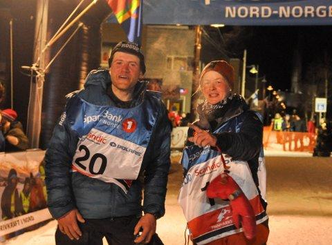 1 OG 2: Petter Karlsson og Birgitte Næss etter målgang av Finnmarksløpet 1.200 2018.