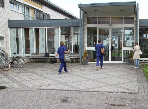 INGEN ENDRINGER FORELØPIG: Ved blant annet Holmestrand bo- og behandlingssenter på Rove.